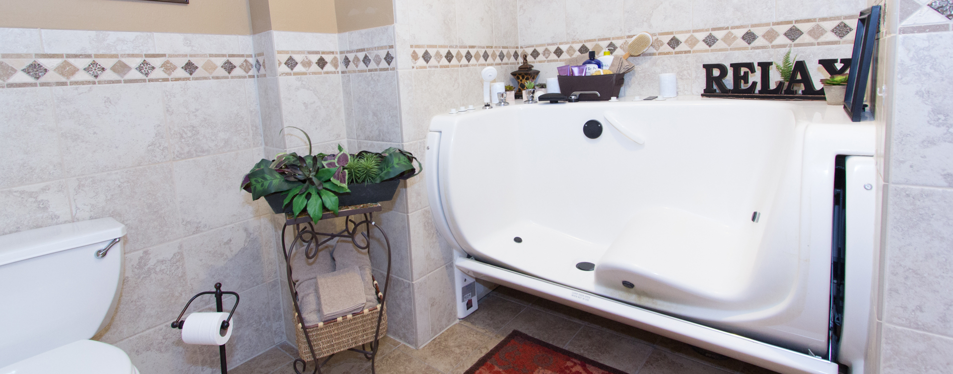 Our whirlpool bathtub creates a spa-like environment tailored to enhance your relaxation and enjoyment at Bickford of Bourbonnais