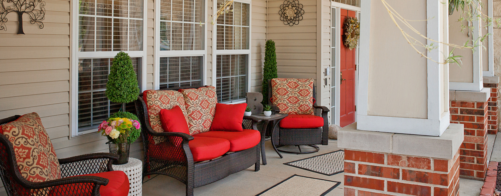 Enjoy conversations with friends on the porch at Bickford of Cedar Falls