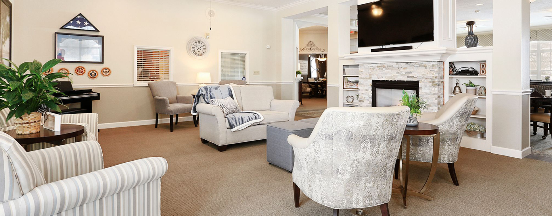 Socialize with friends in the living room at Bickford of Champaign