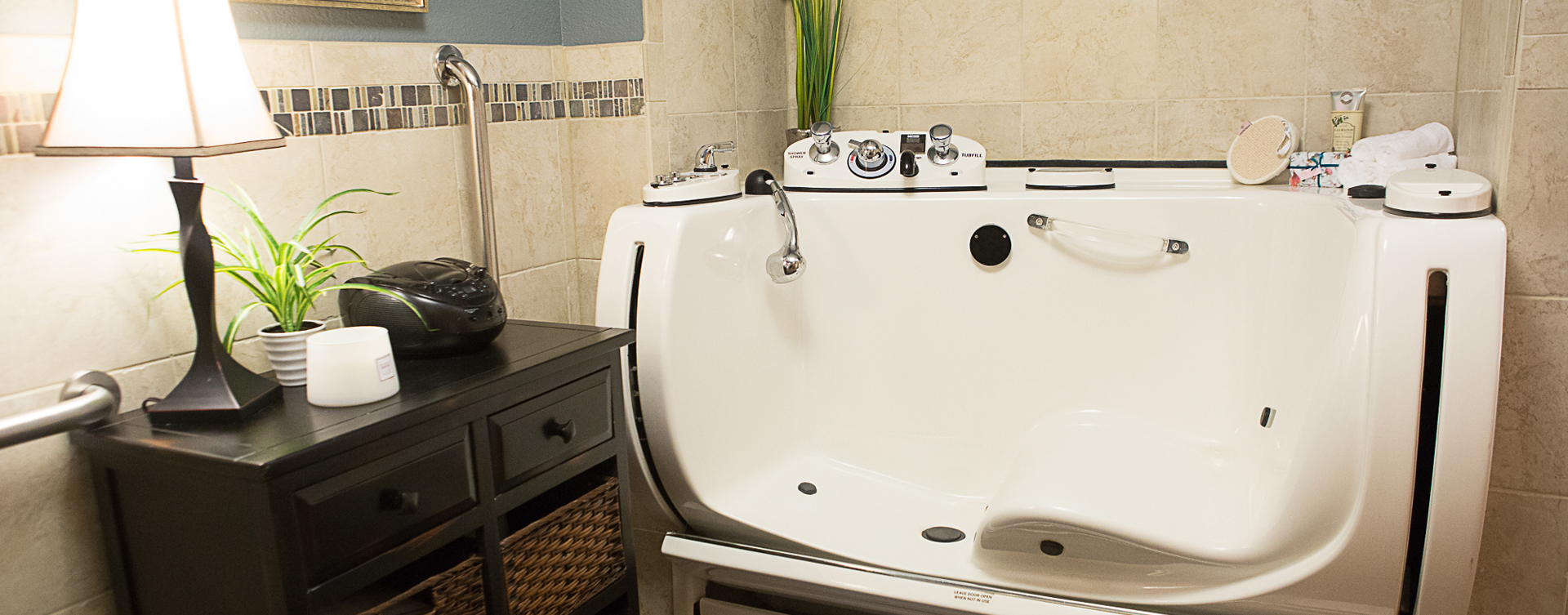 With an easy access design, our whirlpool allows you to enjoy a warm bath safely and comfortably at Bickford of Clinton
