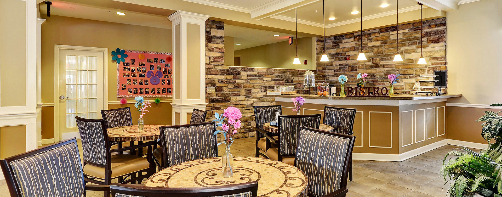 We're serving up snacks, beverages and service around the clock in the bistro at Bickford of Crystal Lake