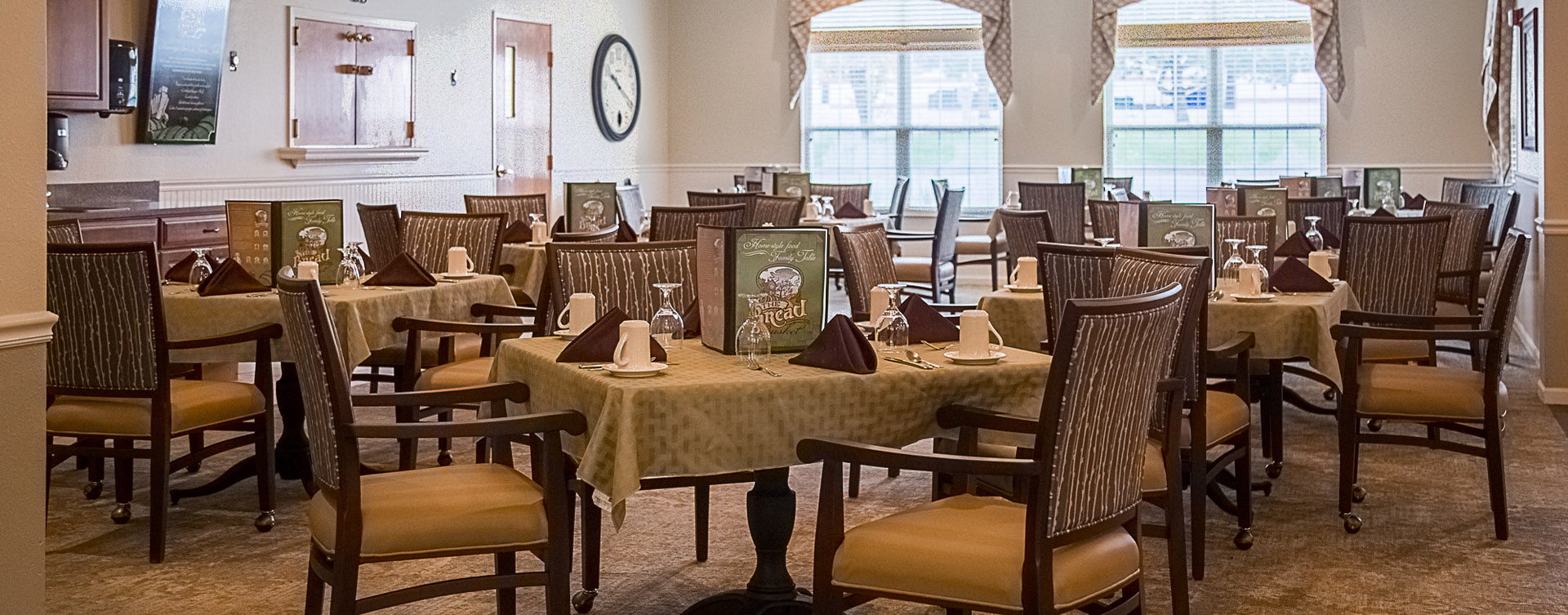 Enjoy restaurant -style meals served three times a day in our dining room at Bickford of Davenport