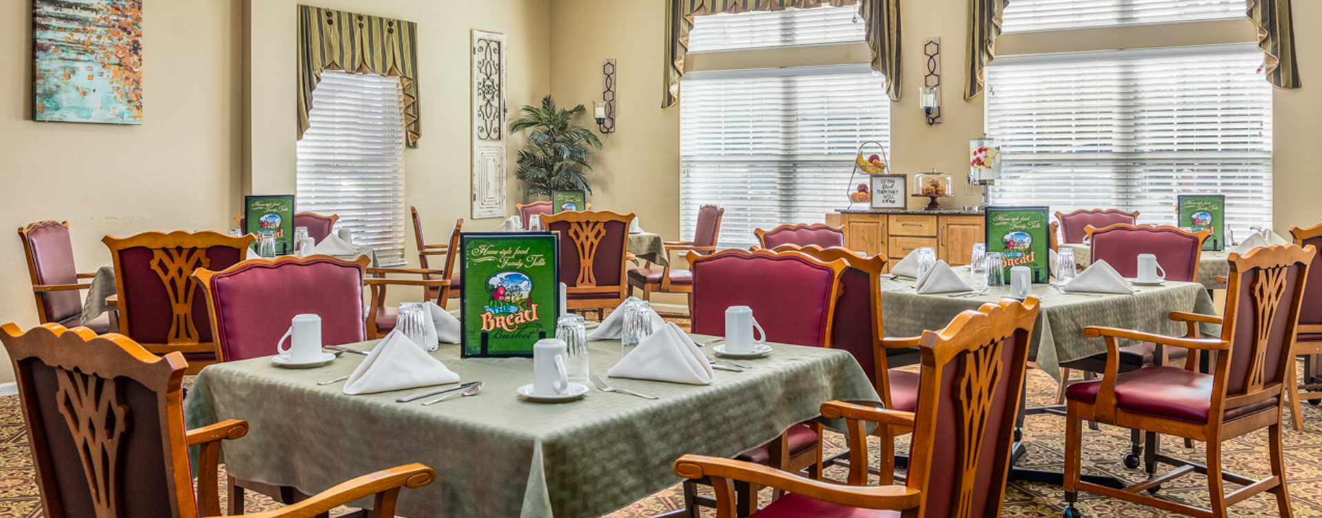 Enjoy restaurant -style meals served three times a day in our dining room at Bickford of Fort Dodge