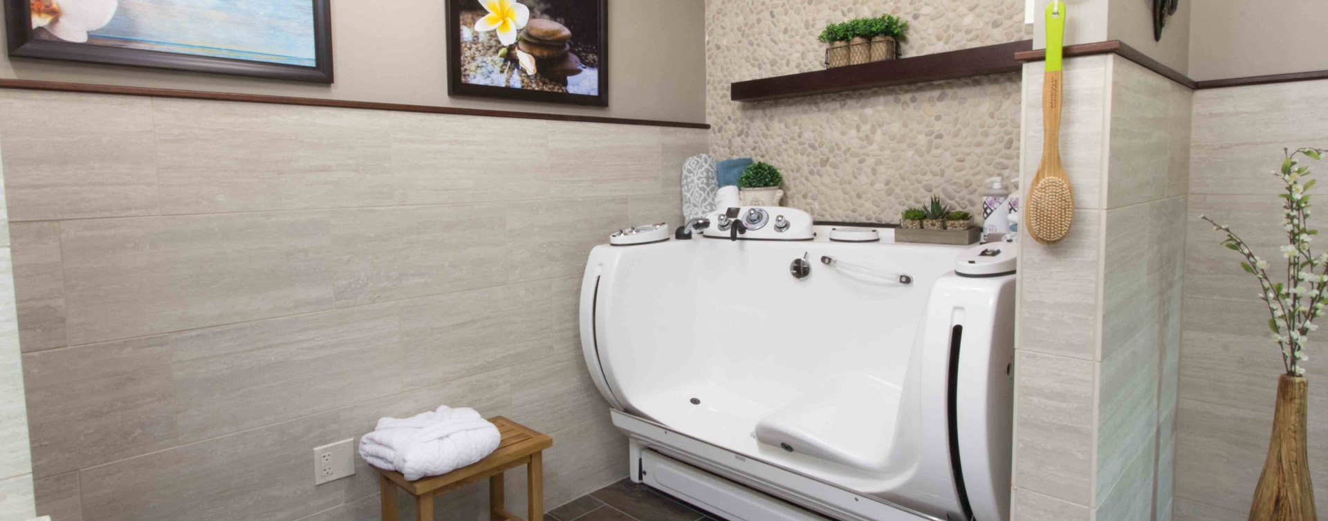 Hydrotherapy eases achy joints in our whirlpool at Bickford of Gurnee