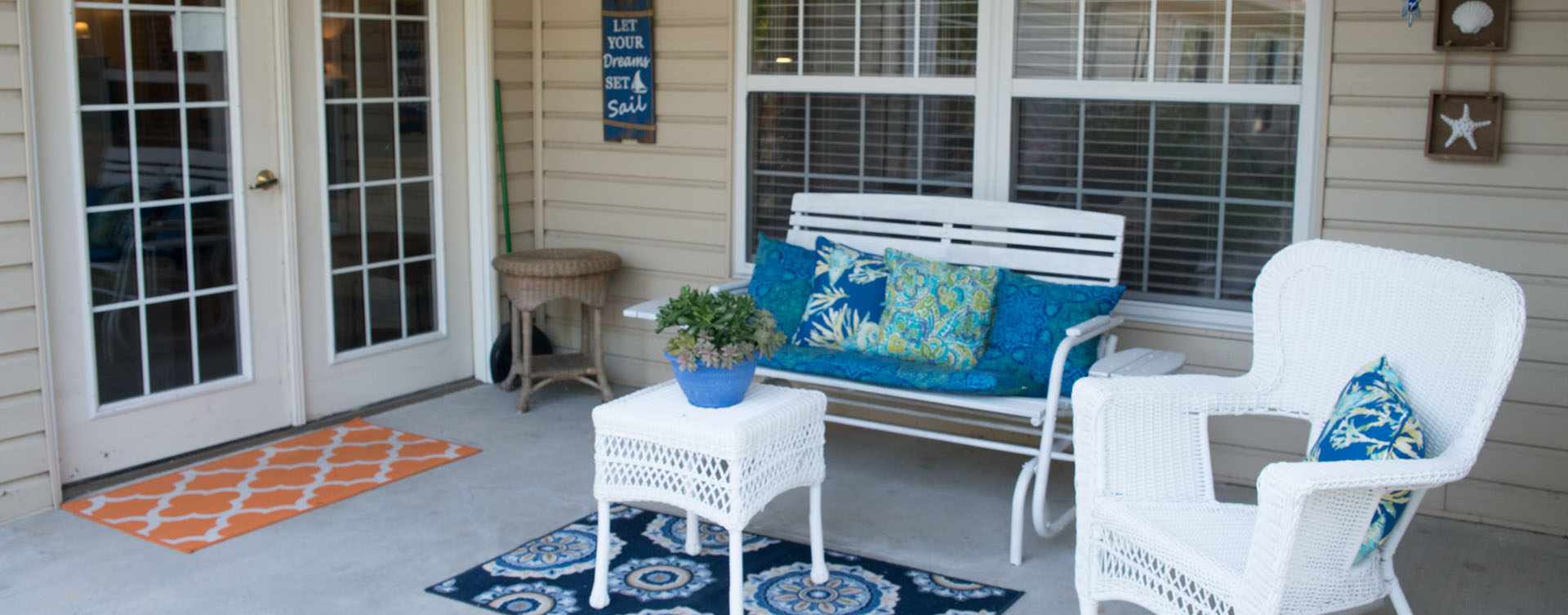 Feel like you're on your own back porch in our courtyard at Bickford of Lincoln