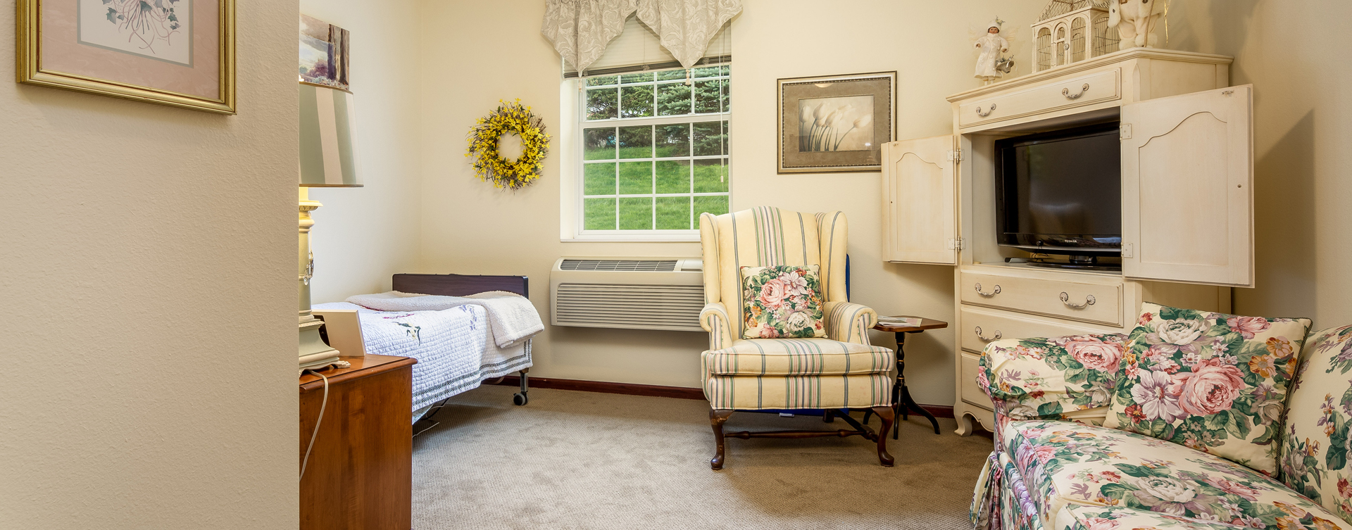 Enjoy senior friendly amenities, personal climate control and security in an apartment at Bickford of Okemos