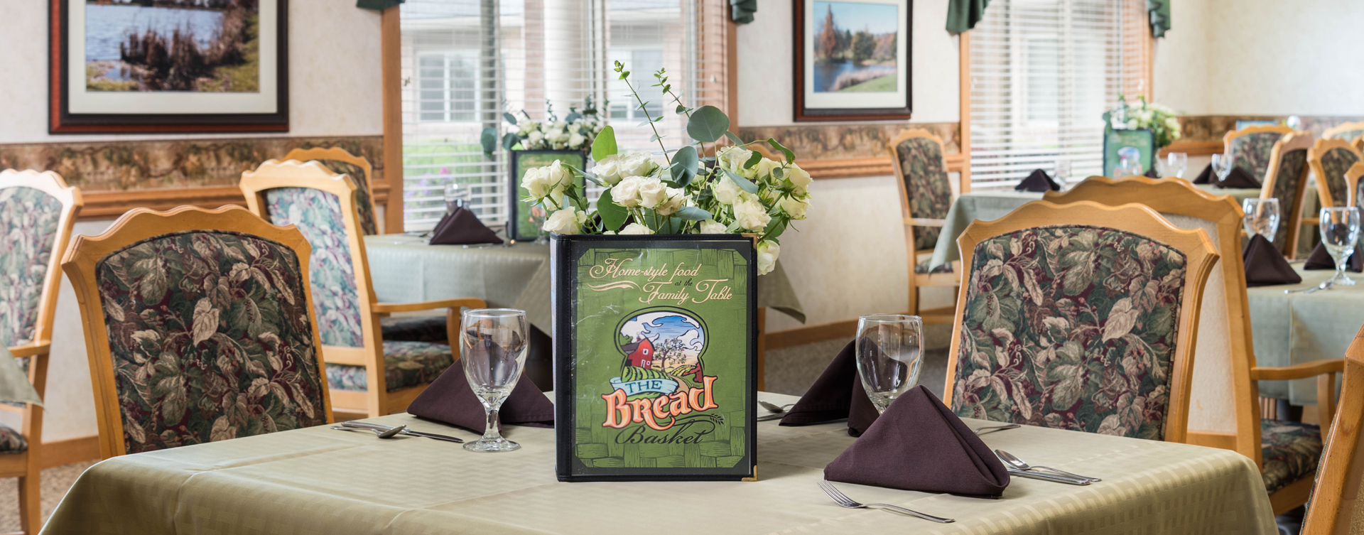 Food is best when shared with friends in the dining room at Bickford of Middletown
