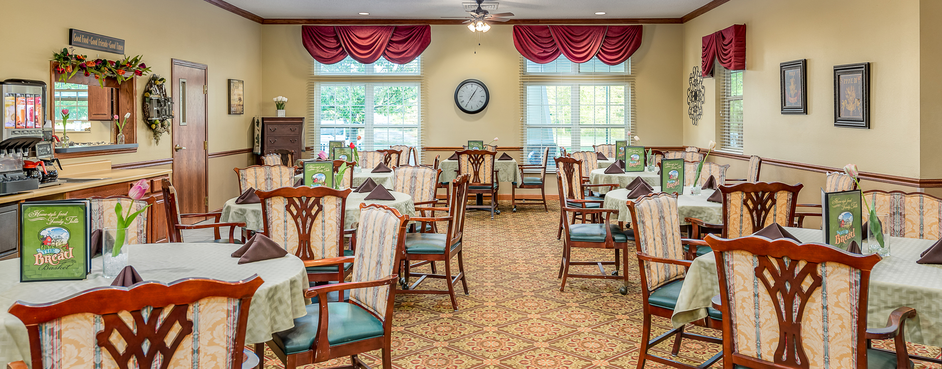 Enjoy homestyle food with made-from-scratch recipes in our dining room at Bickford of Midland