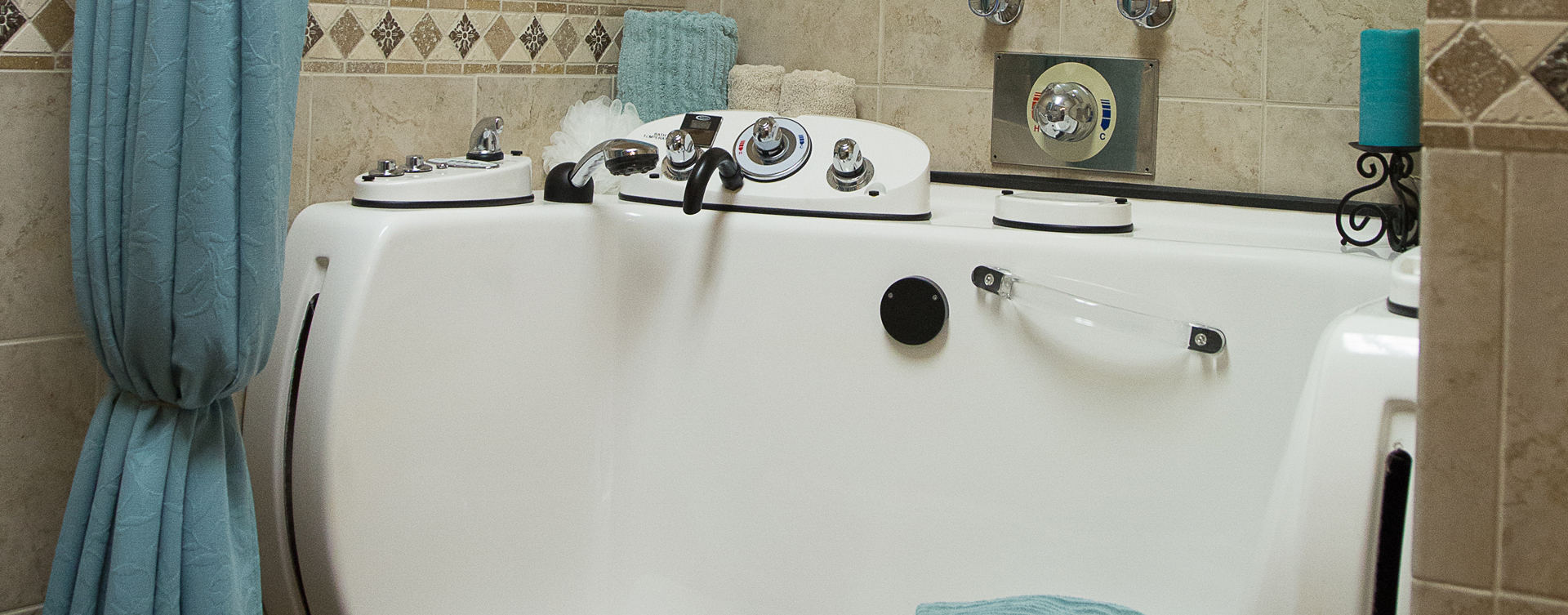 Our whirlpool bathtub creates a spa-like environment tailored to enhance your relaxation and enjoyment at Bickford of Moline