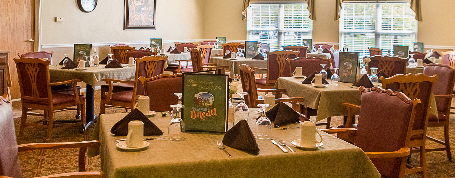 Enjoy restaurant -style meals served three times a day in our dining room at Bickford of Muscatine