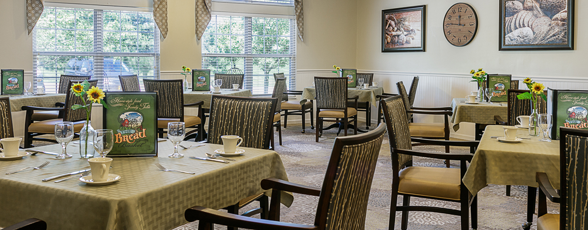 Enjoy homestyle food with made-from-scratch recipes in our dining room at Bickford of Marshalltown