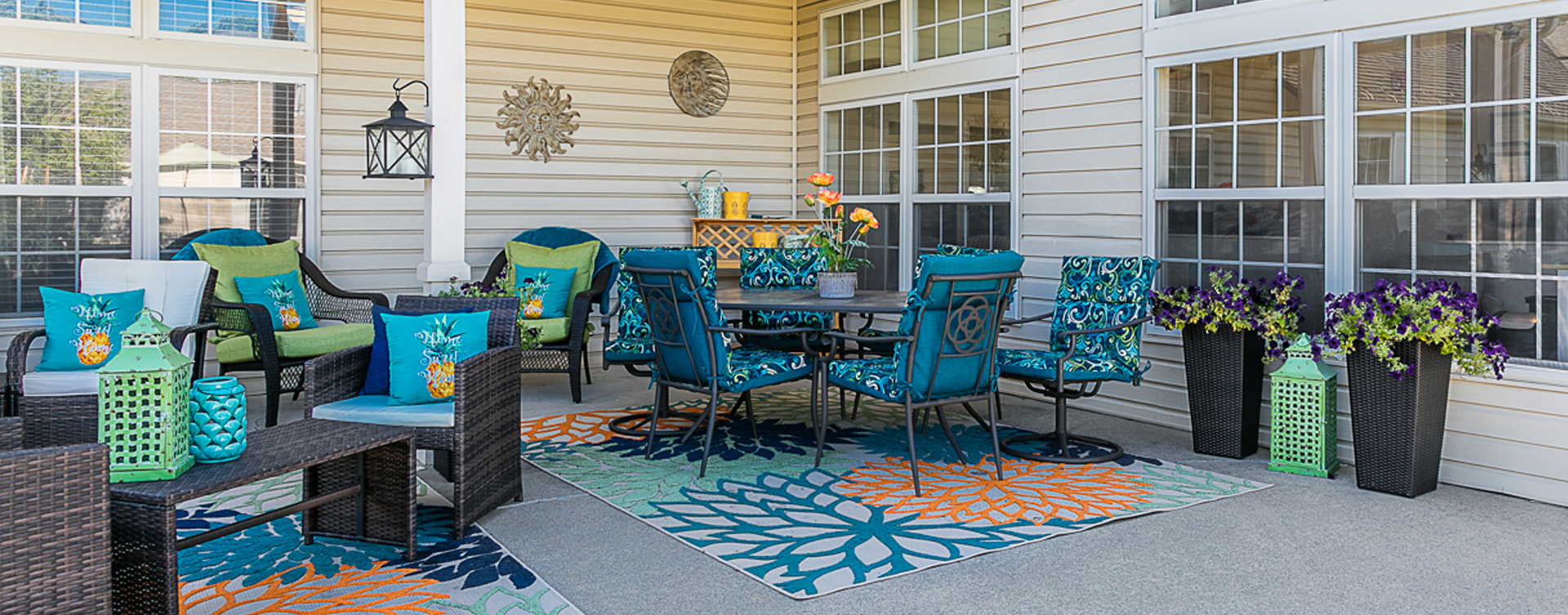 Feel like you're on your own back porch in our courtyard at Bickford of Marshalltown