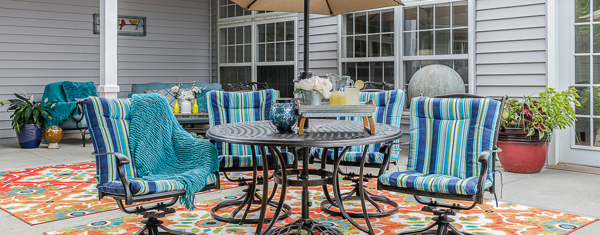 Feel like you're on your own back porch in our courtyard at Bickford of Omaha - Blondo