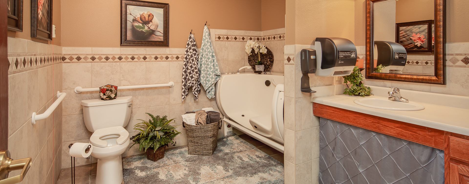 With an easy access design, our whirlpool allows you to enjoy a warm bath safely and comfortably at Bickford of Portage
