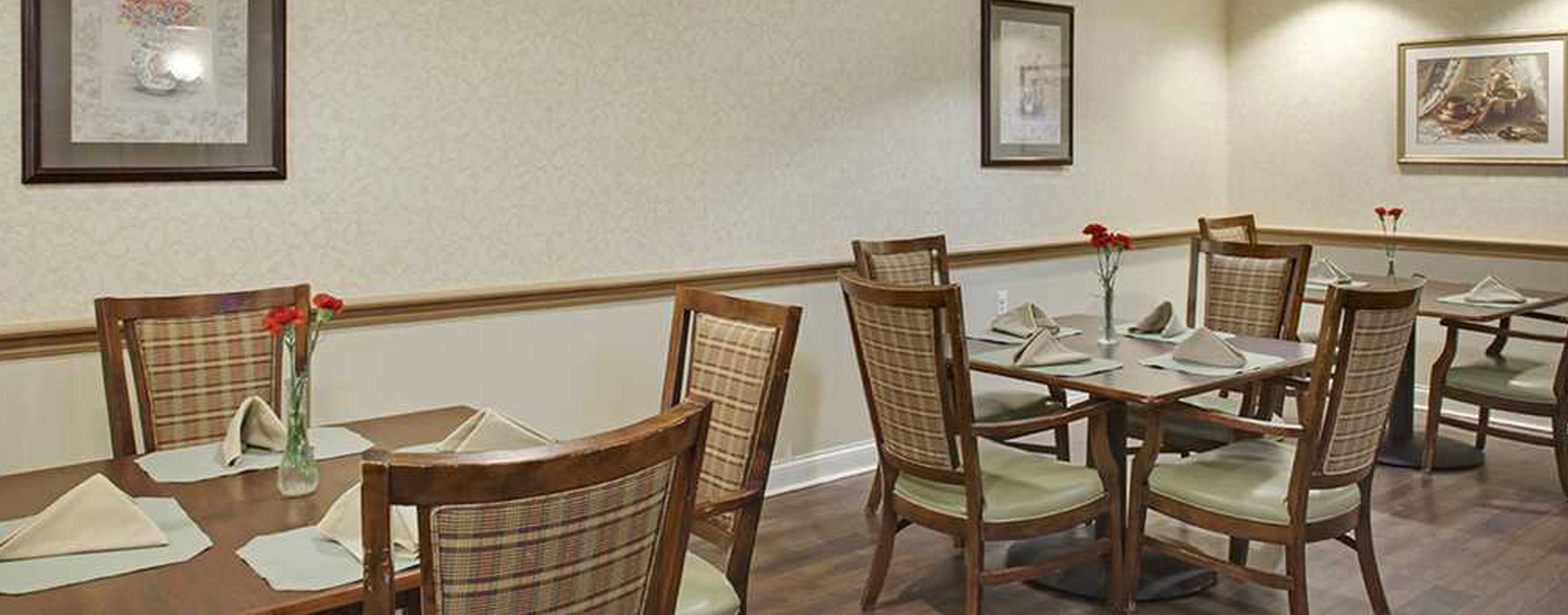 Enjoy homestyle food with made-from-scratch recipes in our dining room at Bickford of Rocky River