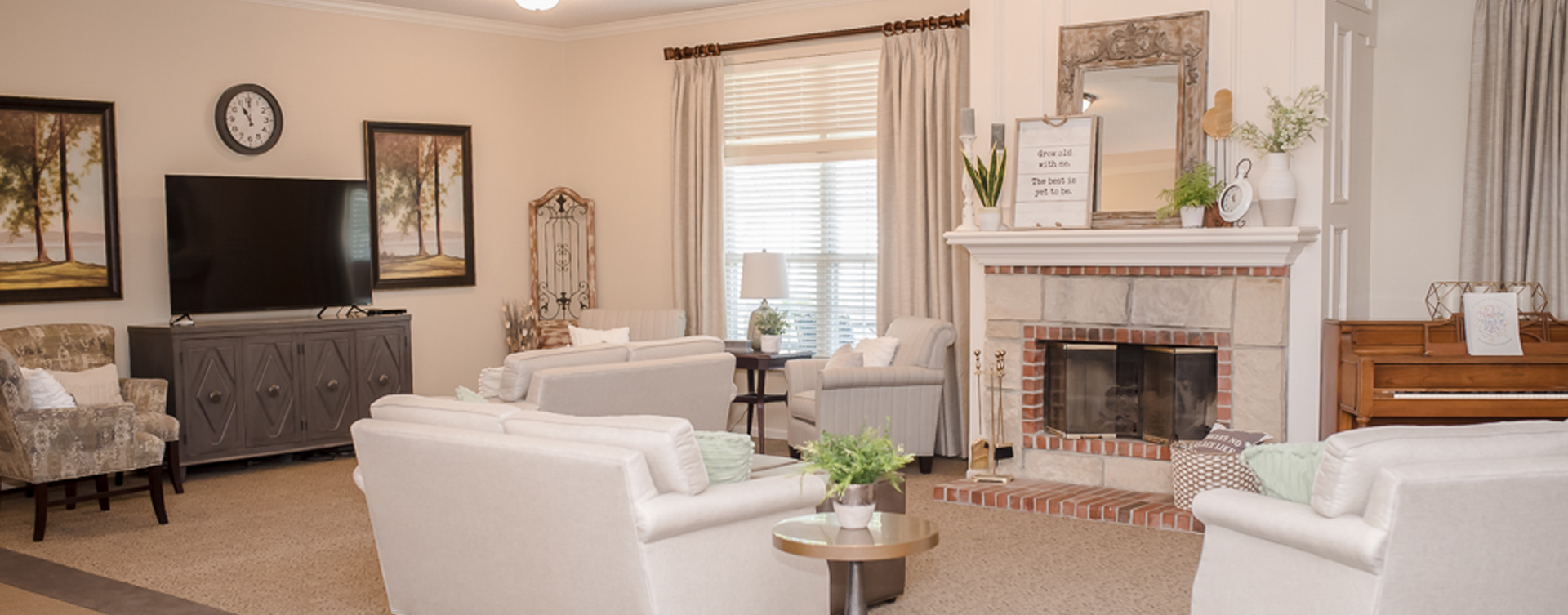 Enjoy a good book in the living room at Bickford of Sioux City