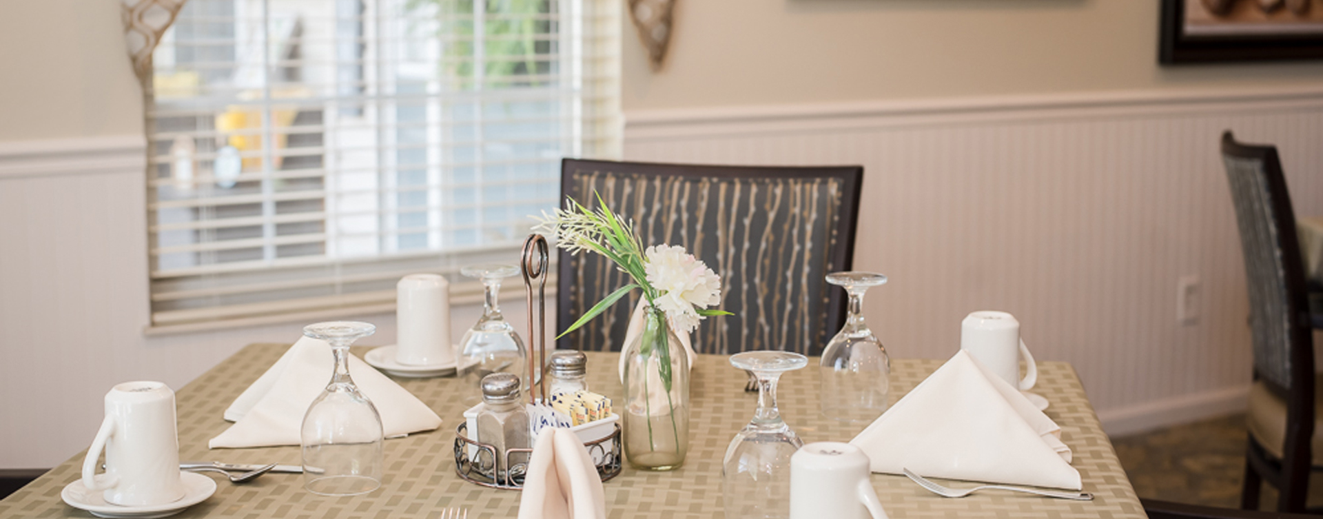 Food is best when shared with friends in the dining room at Bickford of Sioux City