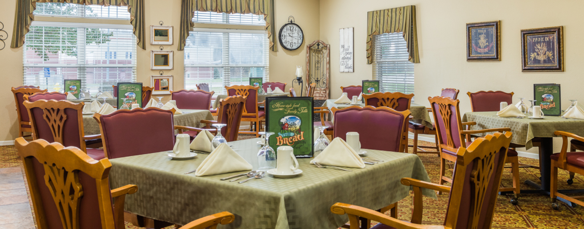 Enjoy restaurant -style meals served three times a day in our dining room at Bickford of Sioux City