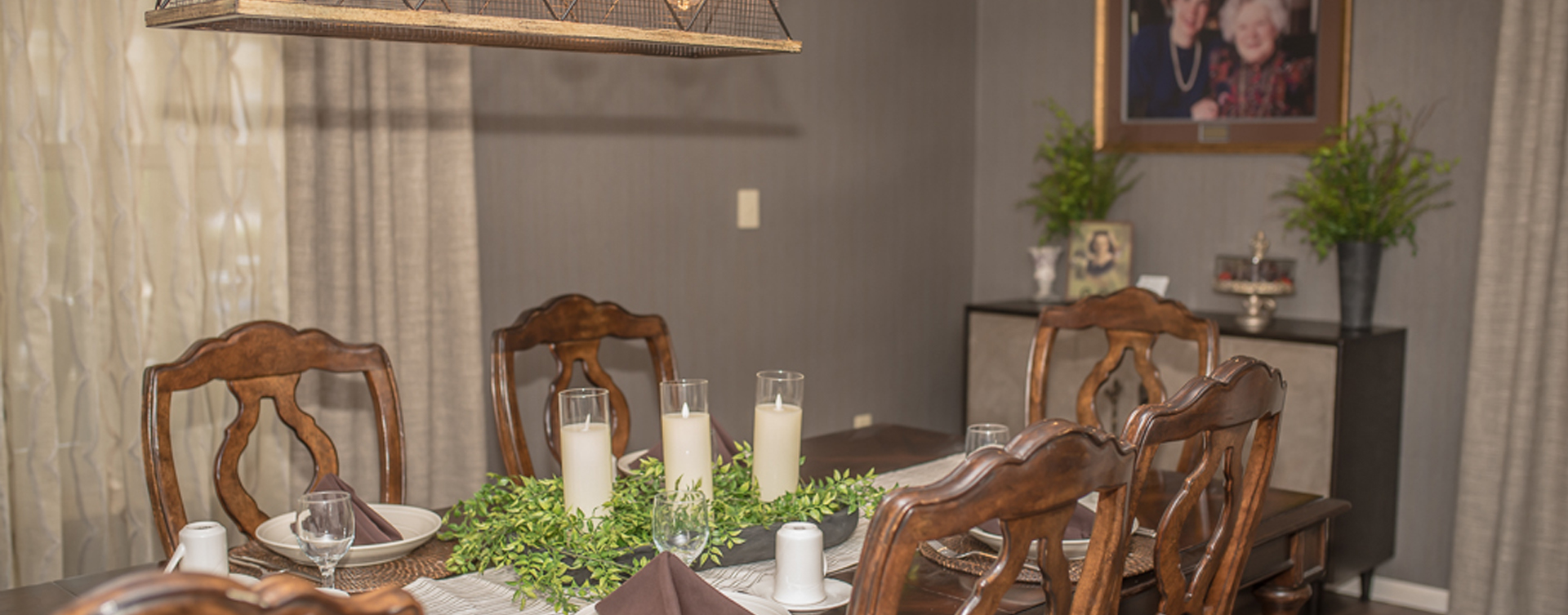 Celebrate special occasions in the private dining room at Bickford of Sioux City