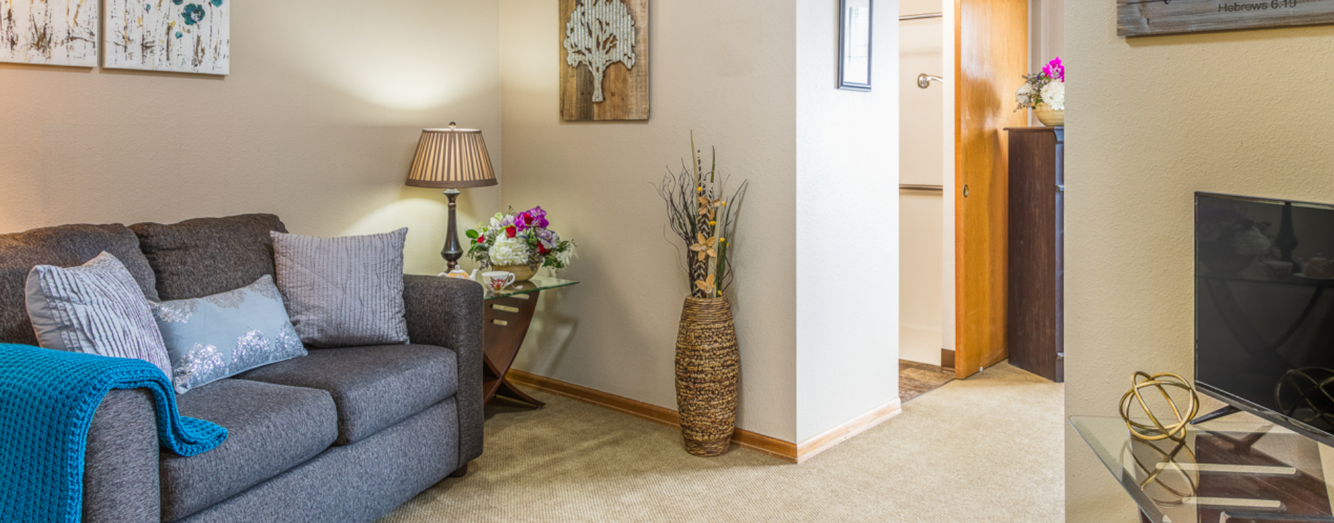 Enjoy senior friendly amenities, personal climate control and security in an apartment at Bickford of Sioux City
