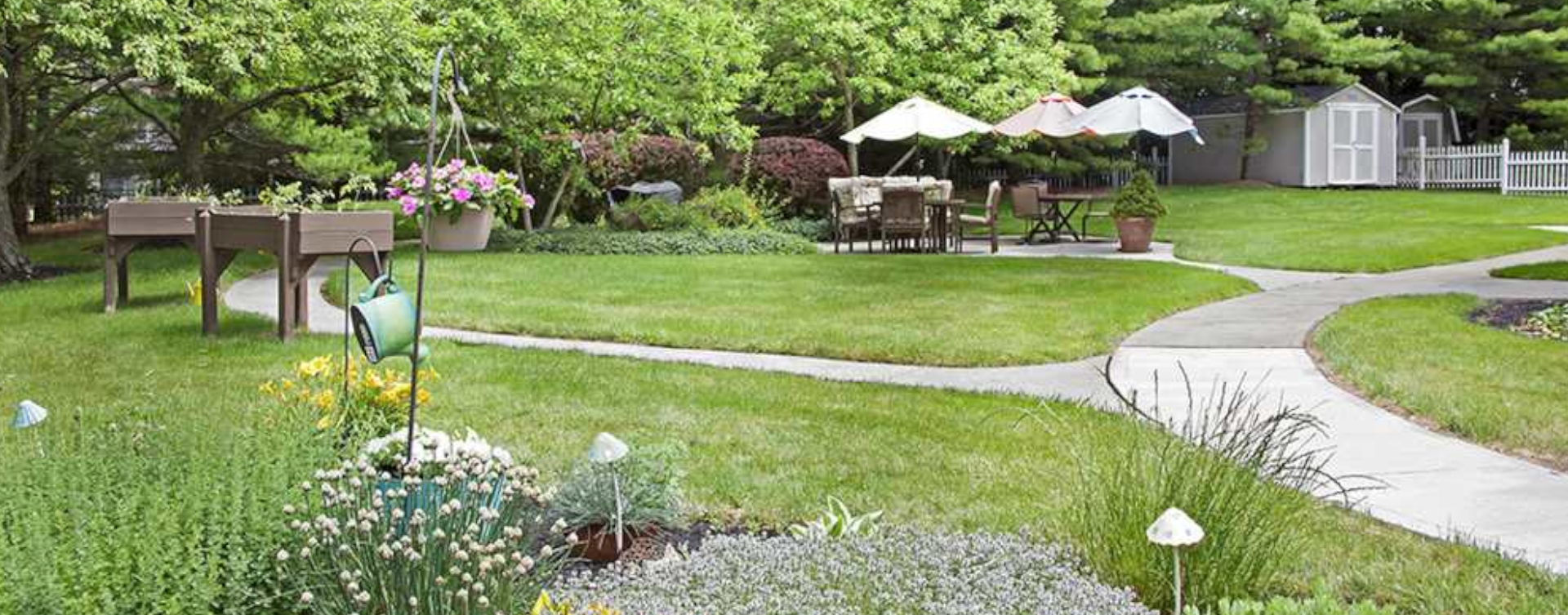 Enjoy bird watching, gardening and barbecuing in our courtyard at Bickford of Scioto