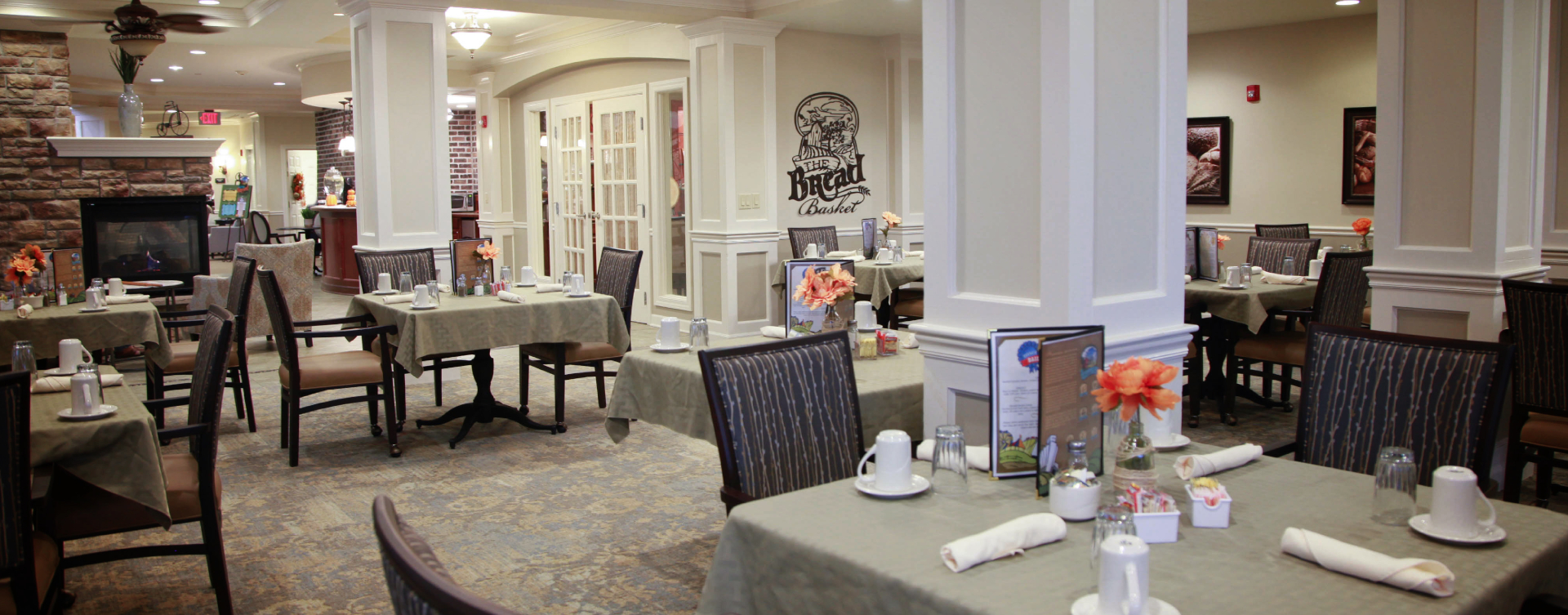 Enjoy homestyle food with made-from-scratch recipes in our dining room at Bickford of St. Charles