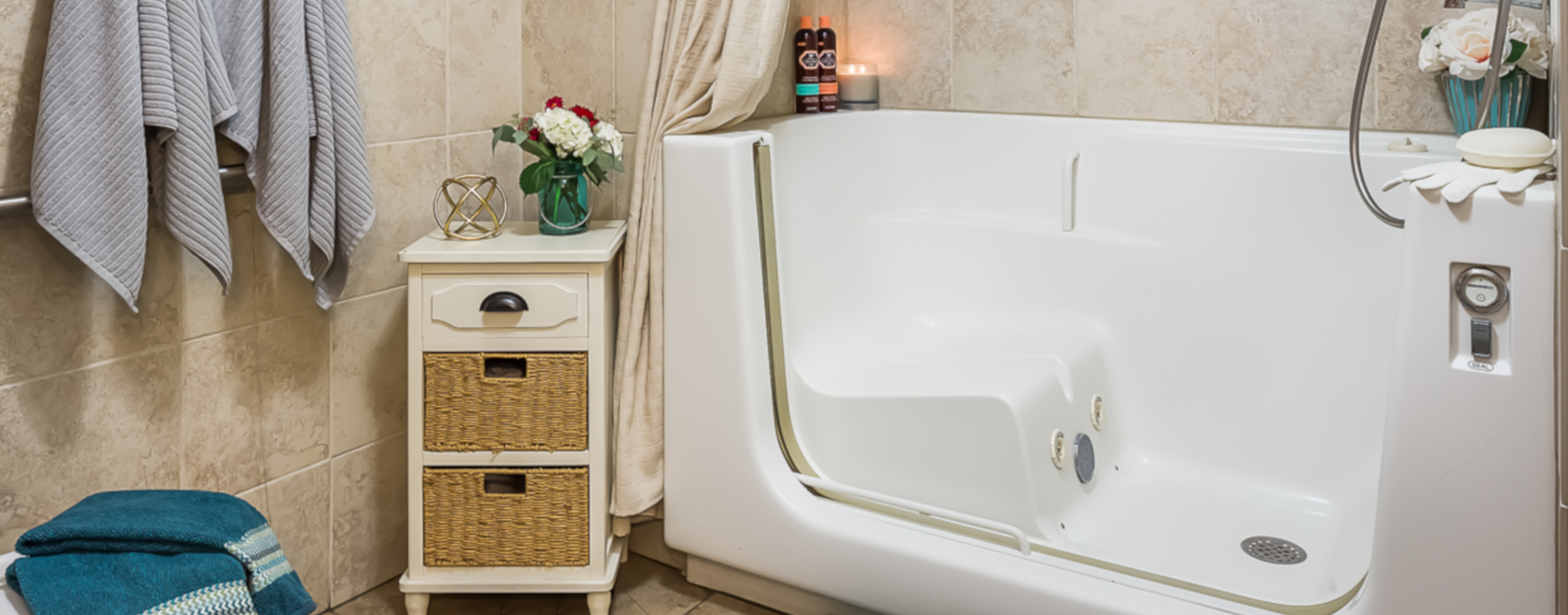 Our whirlpool bathtub creates a spa-like environment tailored to enhance your relaxation and enjoyment at Bickford of Urbandale