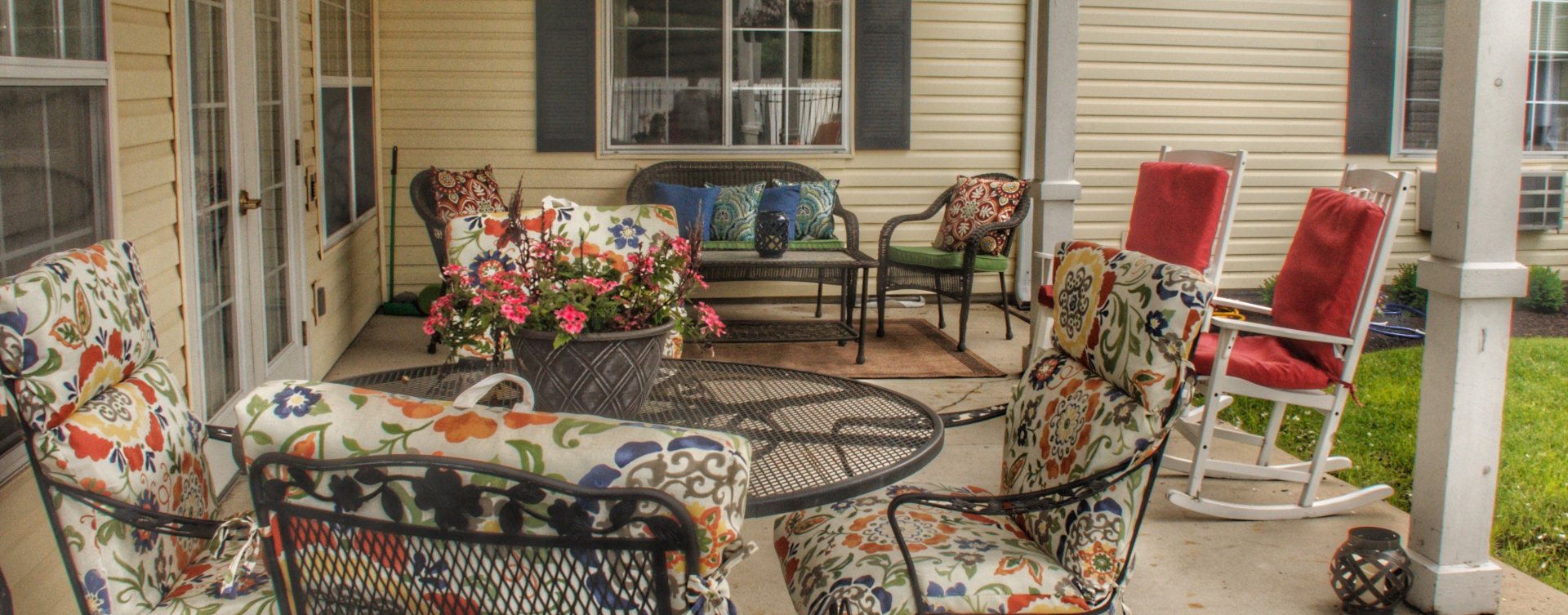 Feel like you're on your own back porch in our courtyard at Bickford of Wabash