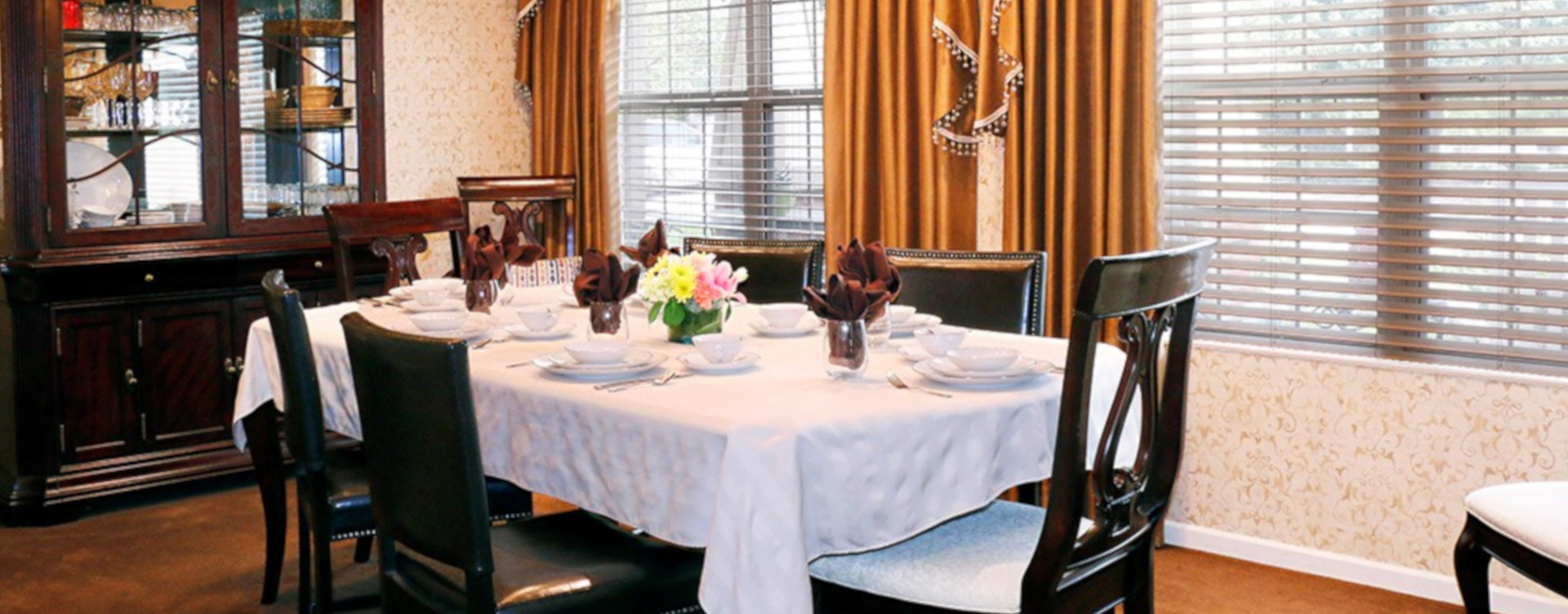 Have fun with themed and holiday meals in the private dining room at Bickford of West Des Moines