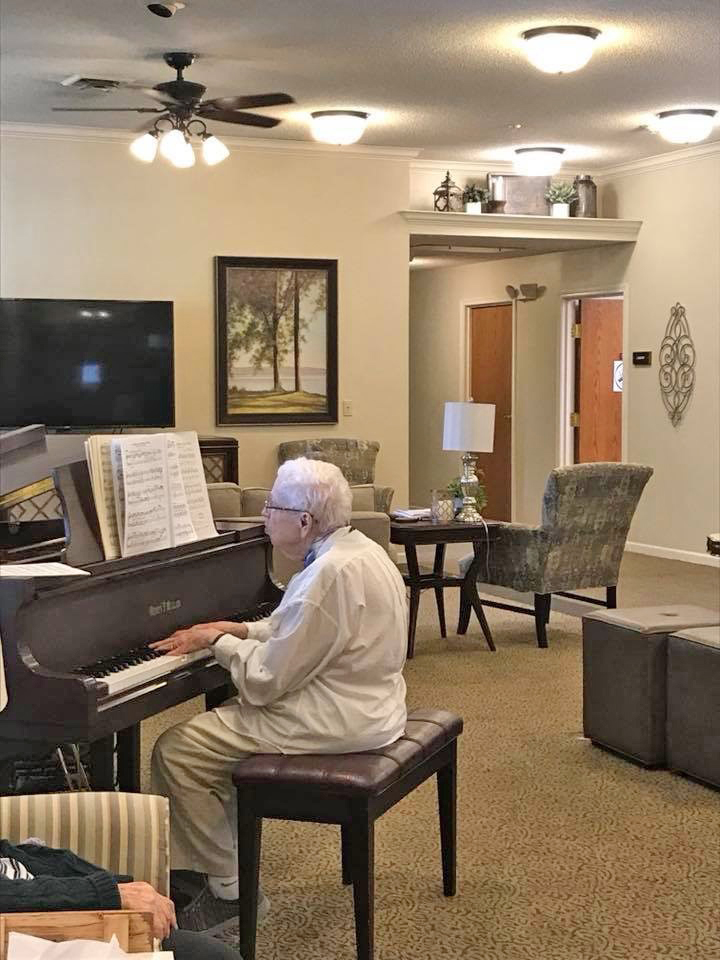Fine Bickford Senior Living Home Interior And Landscaping Ponolsignezvosmurscom